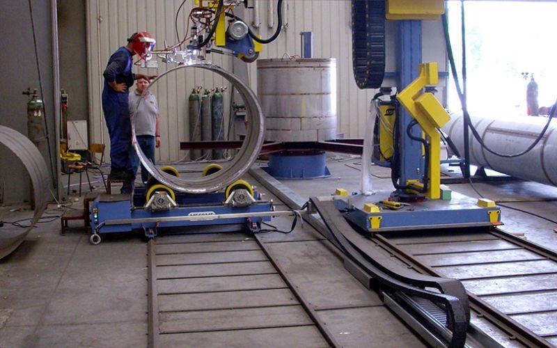 Super Zautomatyzowane stanowiska spawalnicze - AMM Robot - Stanowiska ZA88